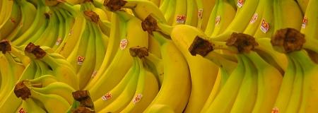 Banány v supermarketu