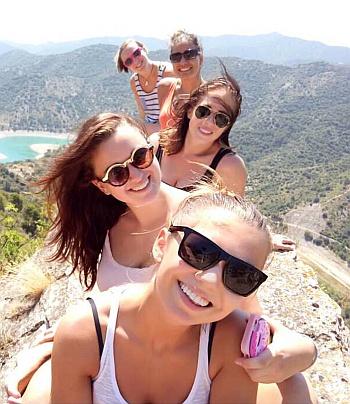 holky na výletě v Siuraně
