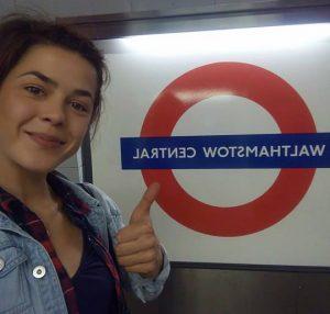 Denča v metru v Londýně