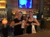 rsz_web11__terka_a_kamča_pracující_na_baru_v_restauraci_terrassa