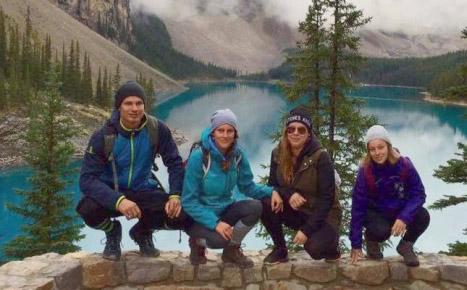 Gábina s přáteli v kanadské divočině