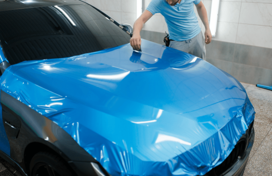 wrapper polepuje auto